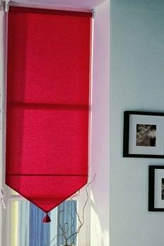 store fen tre rouleau avec pompon d coration int rieure. Black Bedroom Furniture Sets. Home Design Ideas