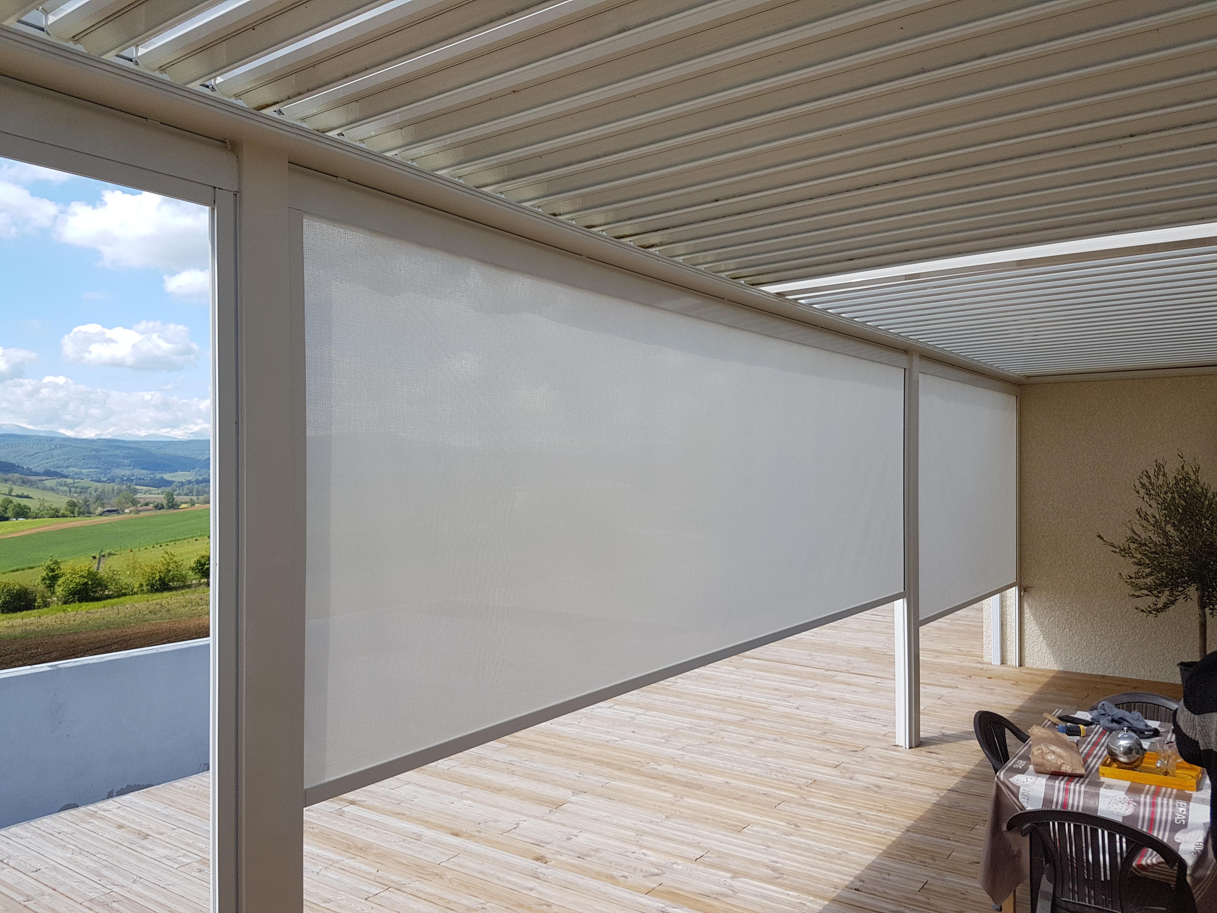 store anti vent terrasse transparent par profilstores sur mesure. Black Bedroom Furniture Sets. Home Design Ideas